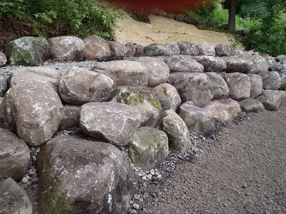 Boulder-Walls